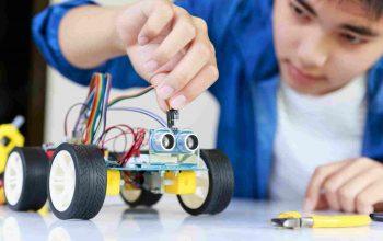 Kid-creating-machine-robot-min